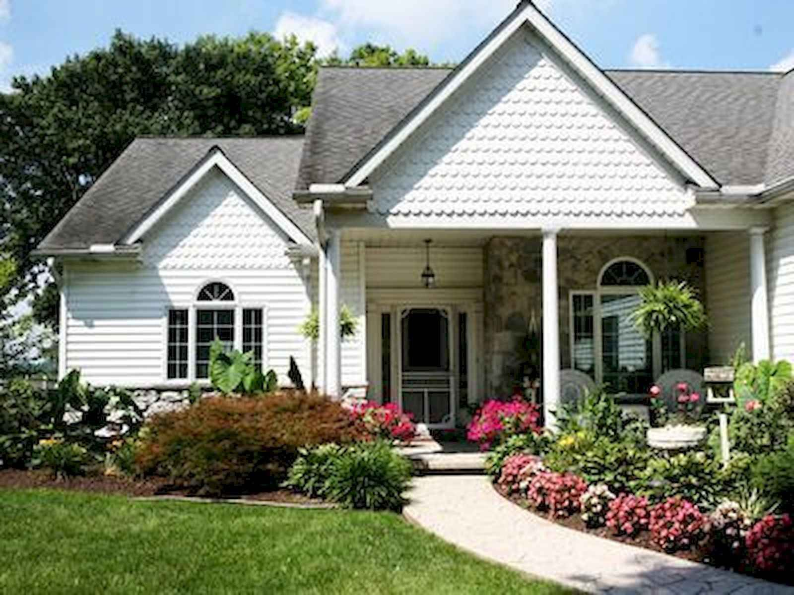 40 Cool Front Yard Garden Landscaping Design Ideas And ... on Front Yard Renovation Ideas id=19551