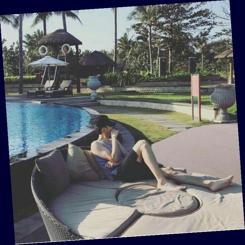 Antares Kris Wu Seorang Duda Kaya Yang Hidup Bersama Putri Semata Wayangnya Terlebih Lagi Putrinya Tidak Mengizinkannya U In 2020 Hot Tub Outdoor Decor Outdoor