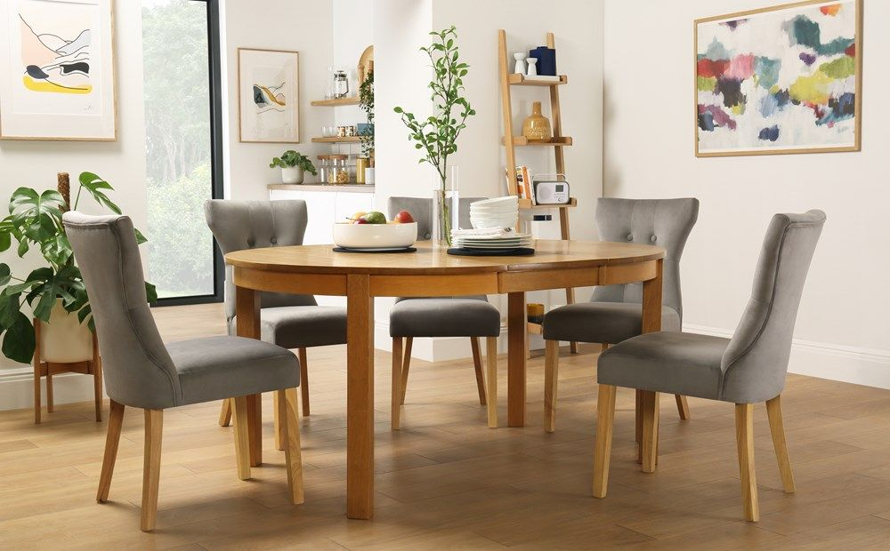 Marlborough Round Oak Extending Dining Table With 4 Bewley Grey