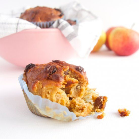 Start the day with a healthy spelt and almond breakfast muffin, full of good things!