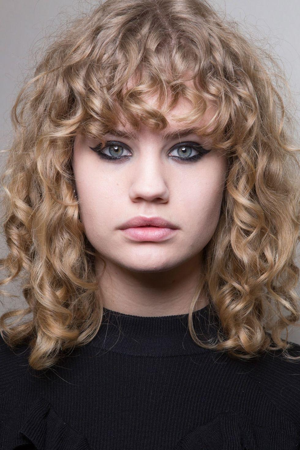 makeup artist resume%0A      Fall Winter Makeup Trends  Bold Eyeliner  makeup  makeupartist   trending