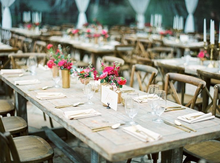 Beautiful rustic wedding table decoration | fabmood.com