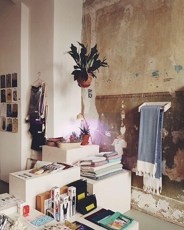 TIPP: Einrichtungsladen amodo @amodoberlin in Berlin Mitte. Man könnte alles mitnehmen und auch der Laden ist wunderhübsch  #berlin #linienstrasse150 #amodo