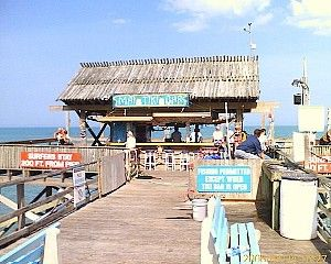 Cocoa Beach Pier This Is The Tiki Bar At Very End Of It Behind Where Was Taken There S 2 Restaurants And A Slew