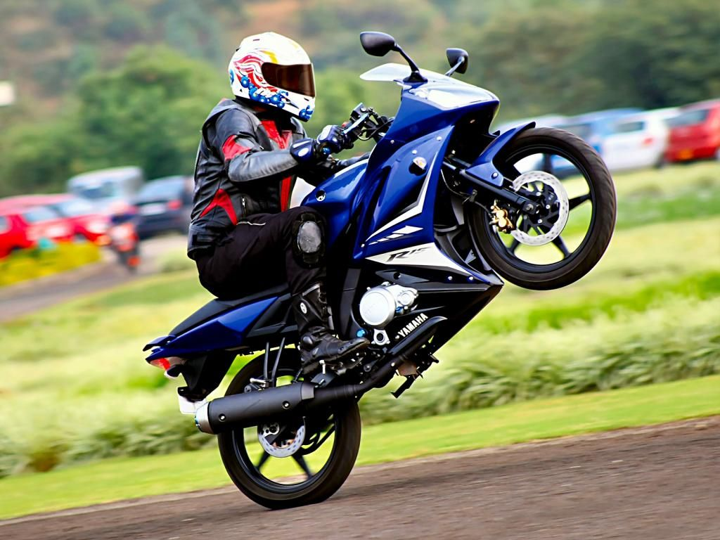 pic new posts: yamaha r15 v2 hd wallpapers | beautiful wallpapers