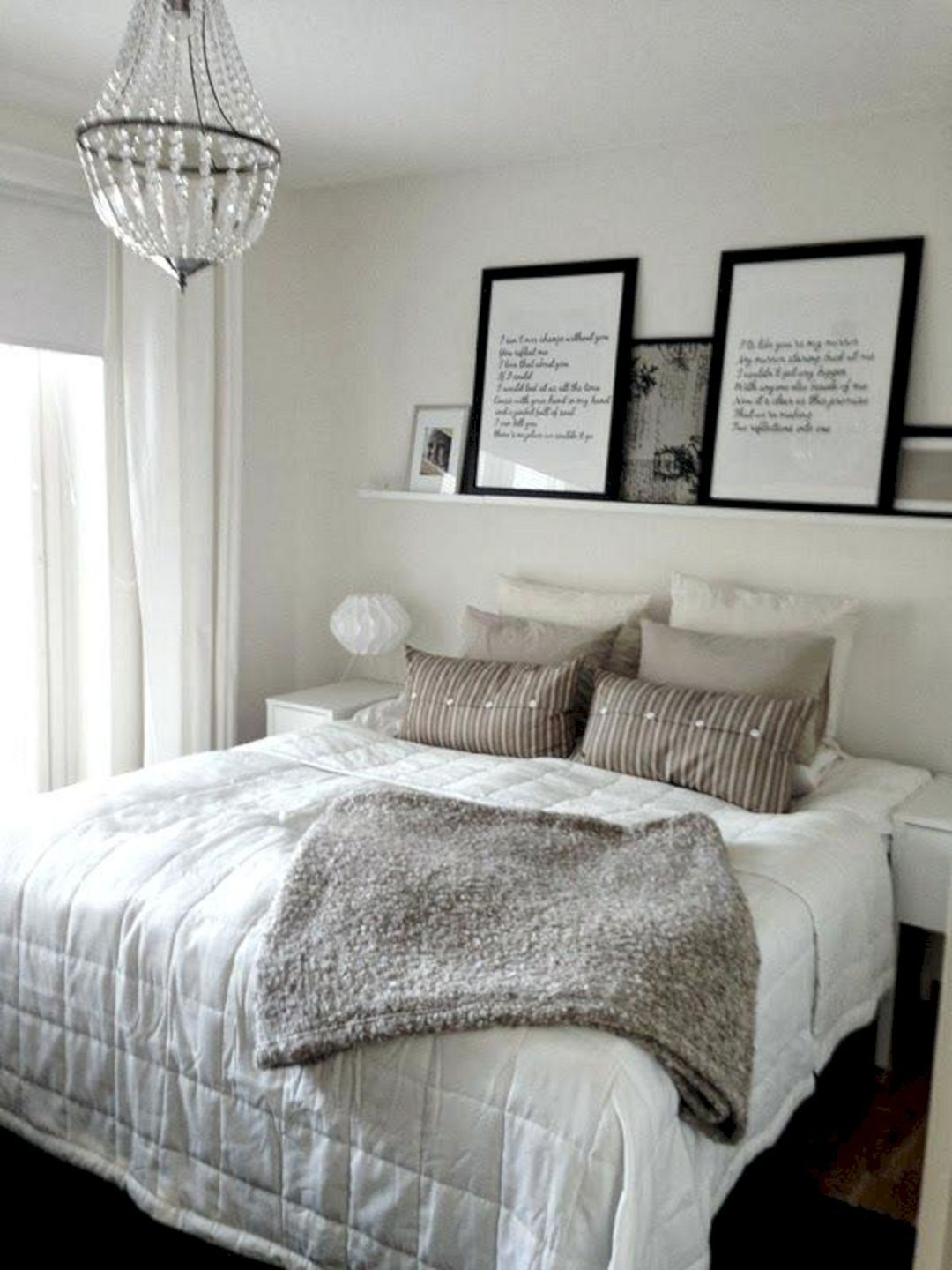 24 Beautiful Minimalist Bedroom Design Ideas For Small Spaces Teracee Small Room Bedroom Minimalist Bedroom Design Luxurious Bedrooms