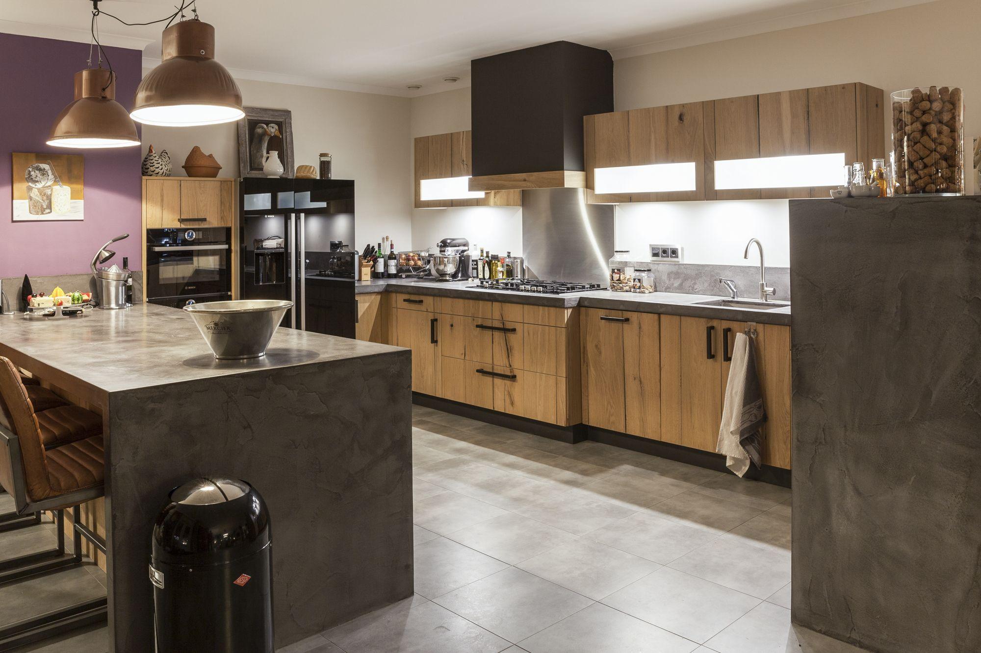 Stoere Keuken Grey : Eikenhouten keuken met een grezzo classic concrete keukenblad de