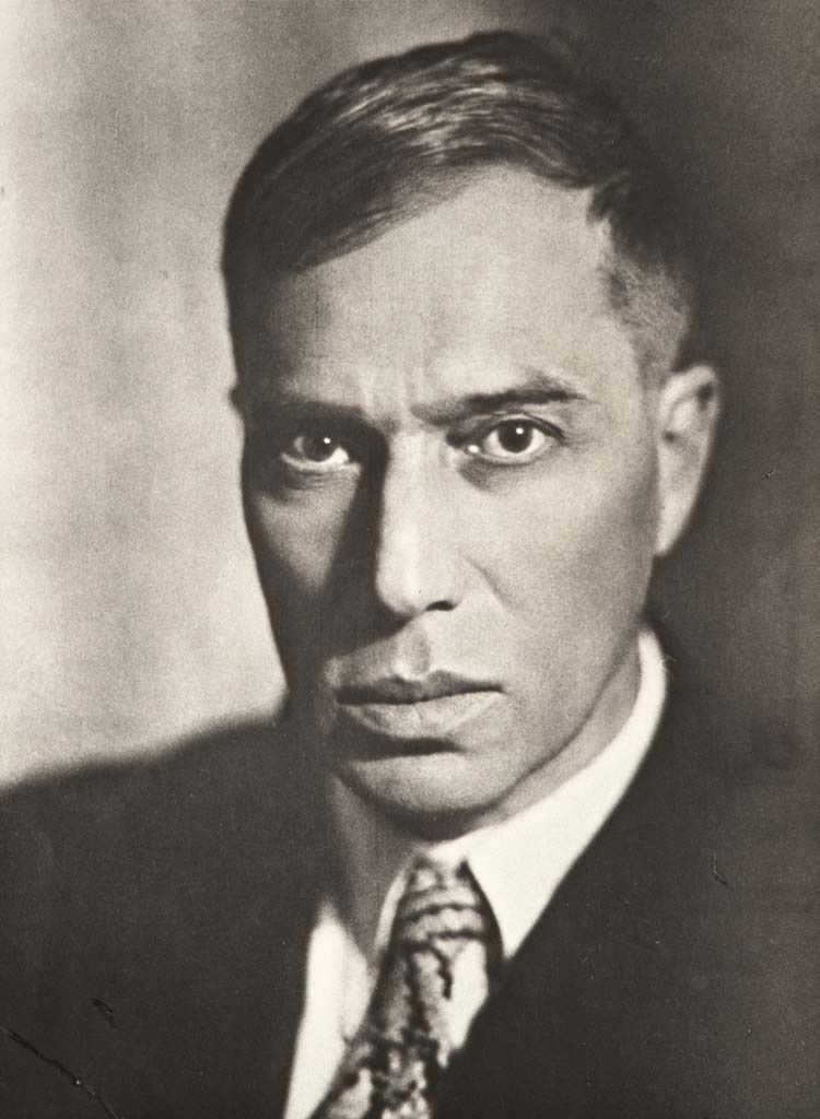 Moissej Nappelbaum (1869-1958), Boris Pasternak, 1929, vintage print, 19,3 x 14,2 cm, courtesy Galerie Berinson, Berlin © Nappelbaum Estate