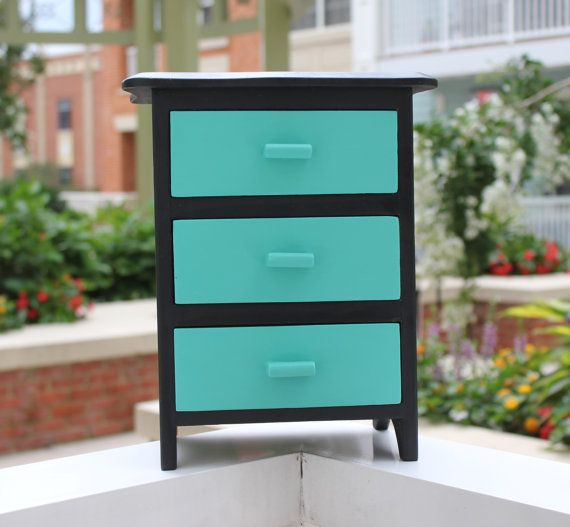 RESERVED FOR FABIOLA Standing jewelry box with three drawers hand