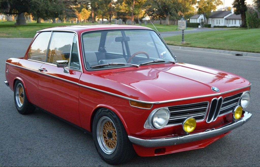 180 HP & 5 Gears: Freshly Built 1969 BMW 2002