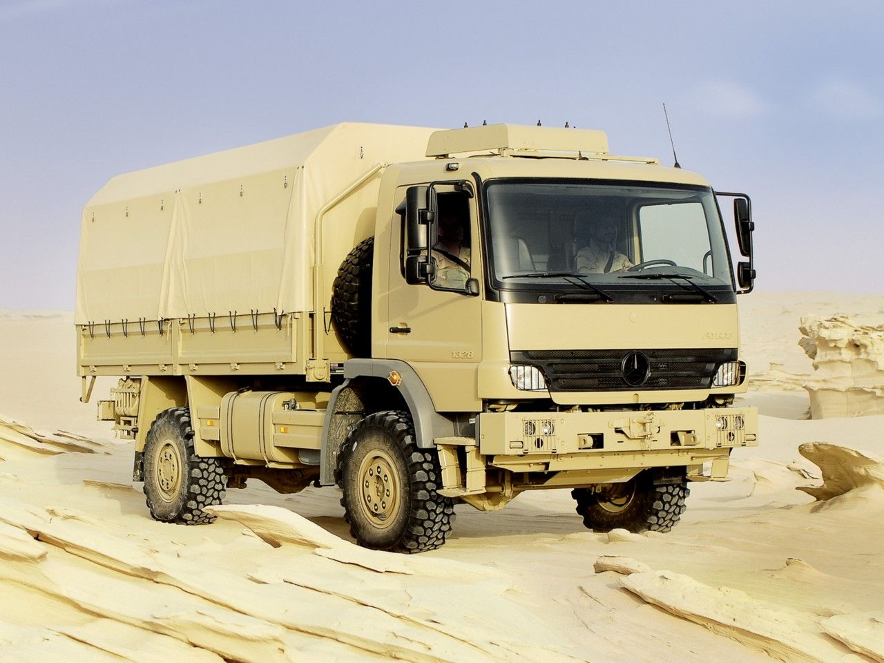 Mercedes benz atego 1328 4x4 military truck military for Mercedes benz truck 4x4