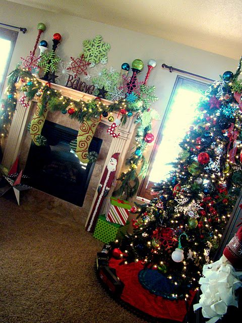 Fun bright Christmas decor CUTE blog!! Christmas Pinterest - christmas decorations for mantels