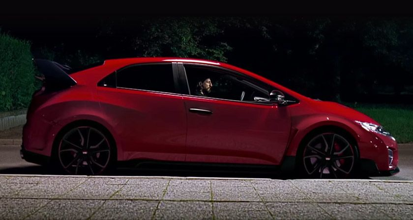 Honda And Wieden Kennedy London Have Come Up With An Interactive Dual Story Video For The Civic And It S Sportier Version The Civic Type Coches Y Motocicletas