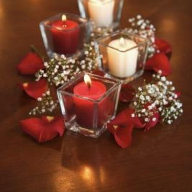 Easy Wedding Themes: How To Create Elegant And Simple Centerpieces For A
