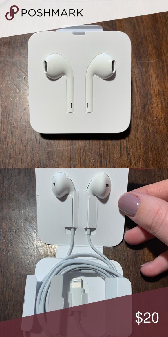 Iphone Earbuds Iphone Earbuds Earbuds Apple Headphone
