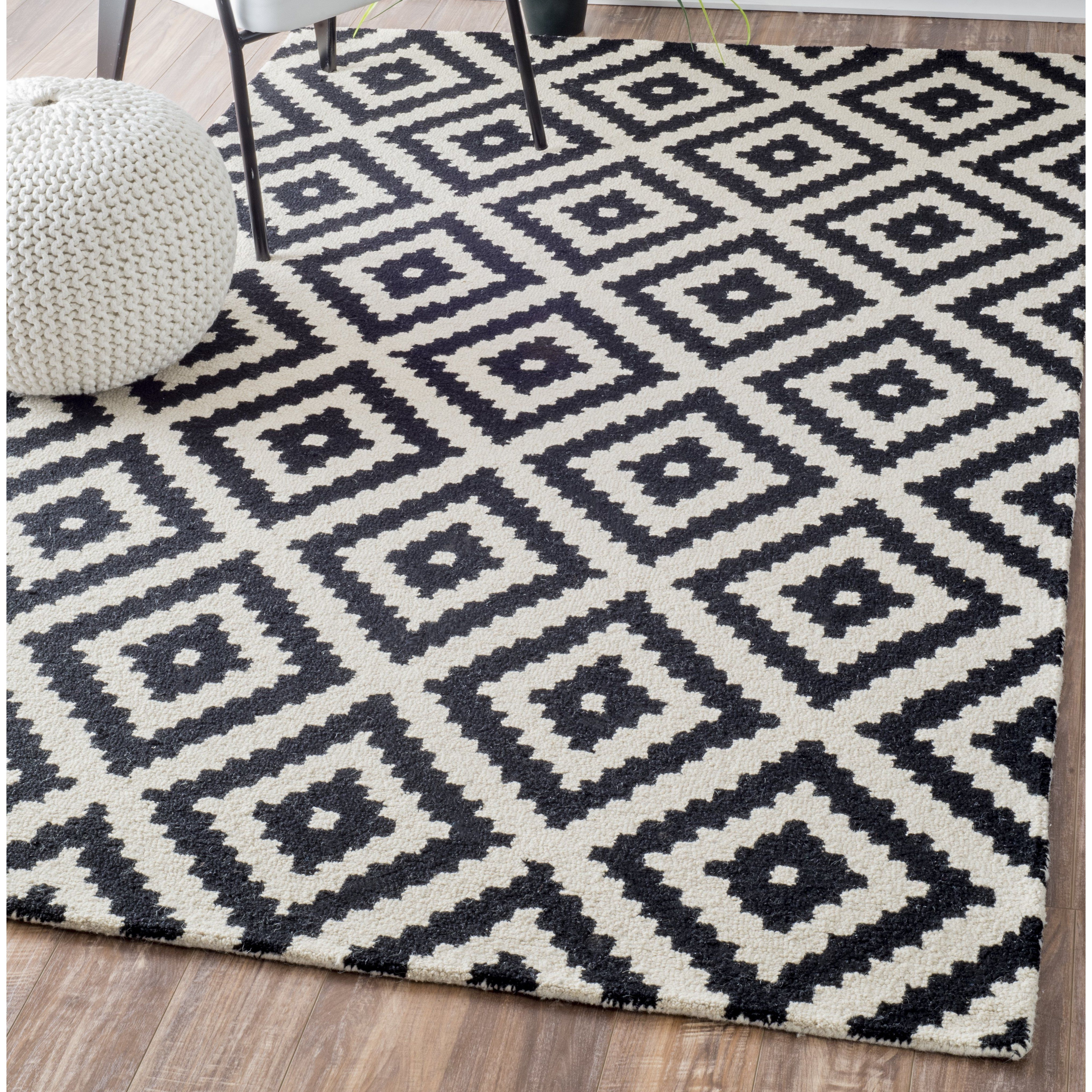 Mercury Row Kelly Black Cream Geometric Wool Hand Tufted Area Rug