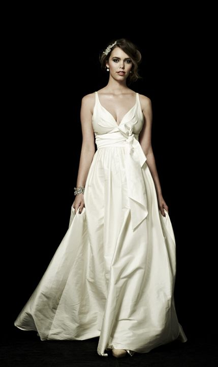 Hitched Salon - Wedding Gown Sample Sale Online Now | Wedding Dress ...