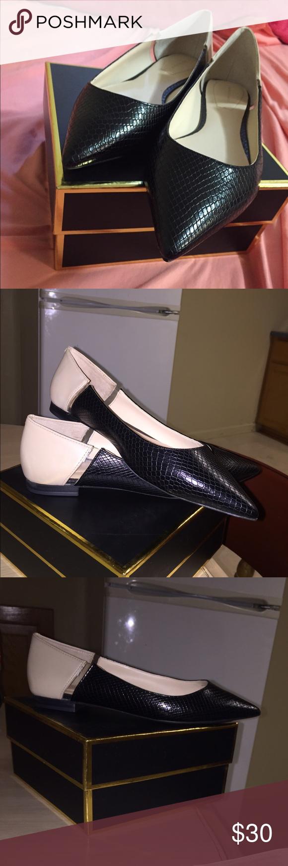 Brand new Zara flats Brand new flats! Perfect shape Zara Shoes Flats & Loafers