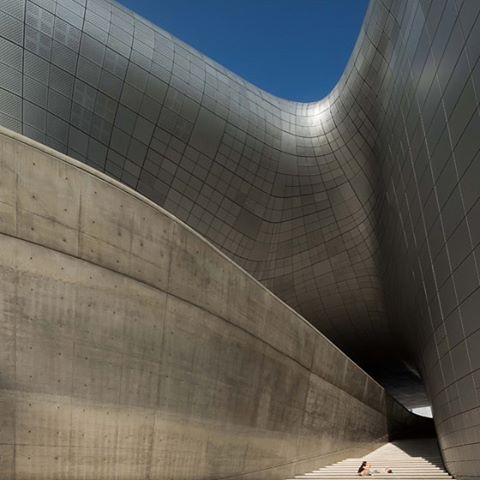 Zaha Hadid's award-winning designs: Dongdaemum Design Plaza, Seoul #architecture