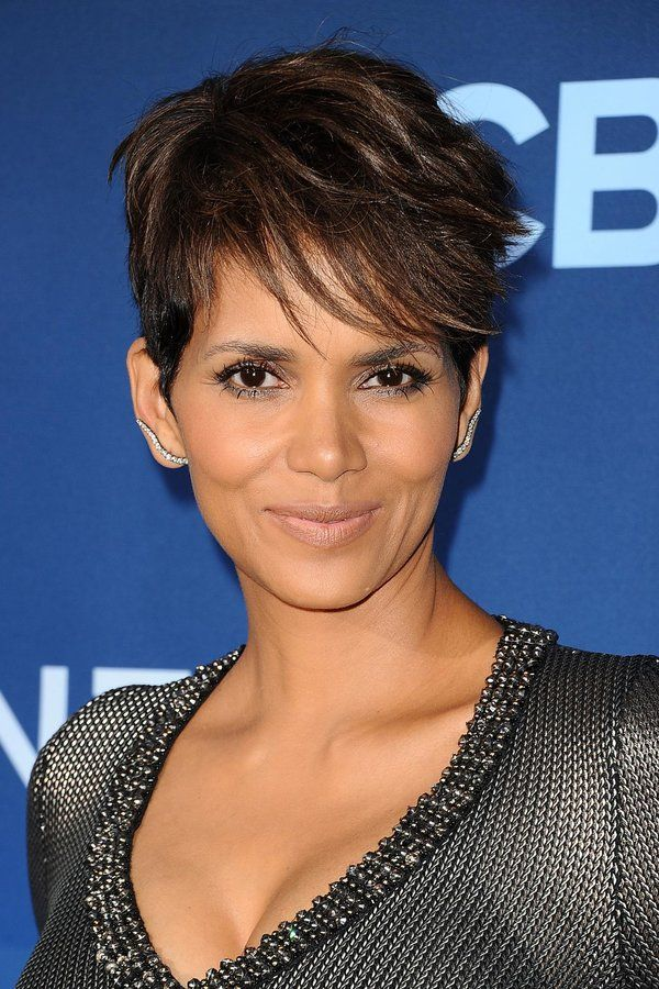 Short And Sweet Halle Berry S Hair Evolution African History