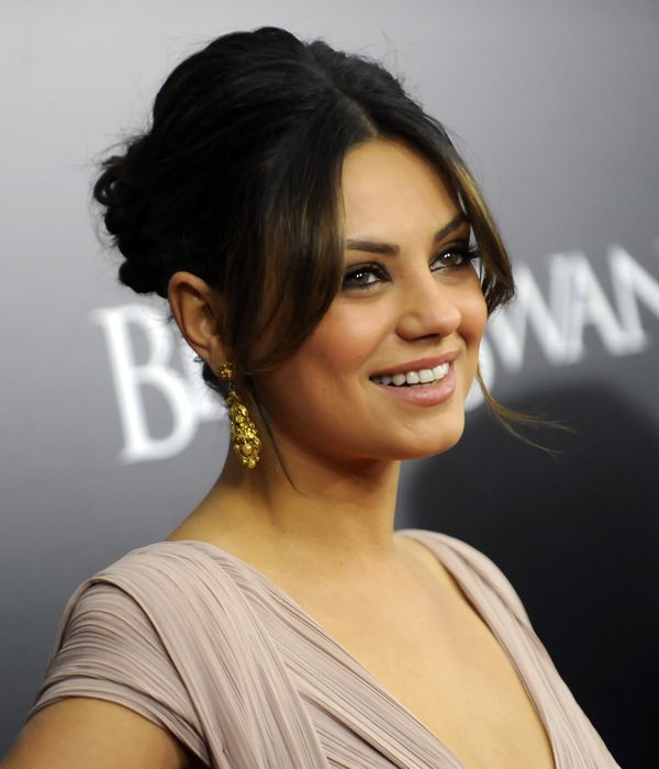 How To Do A Quick Updo Hairstyle Mila Kunis Updo And Beautiful People