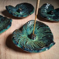 2x Seaweed over 2x Obsidian on Cinco Rojo clay fired to cone 6. By Amanda Joy Wells