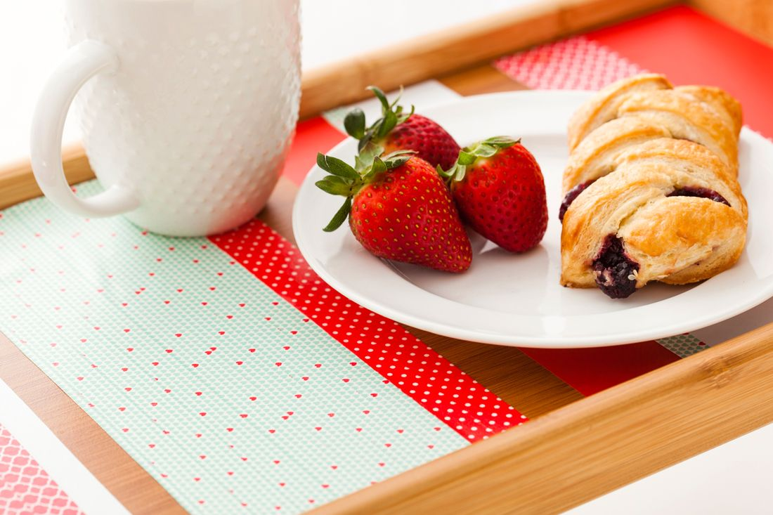 Washi For The Win Diy Breakfast In Bed Tray In Under 5 Minutes Diy Breakfast In Bed Washi
