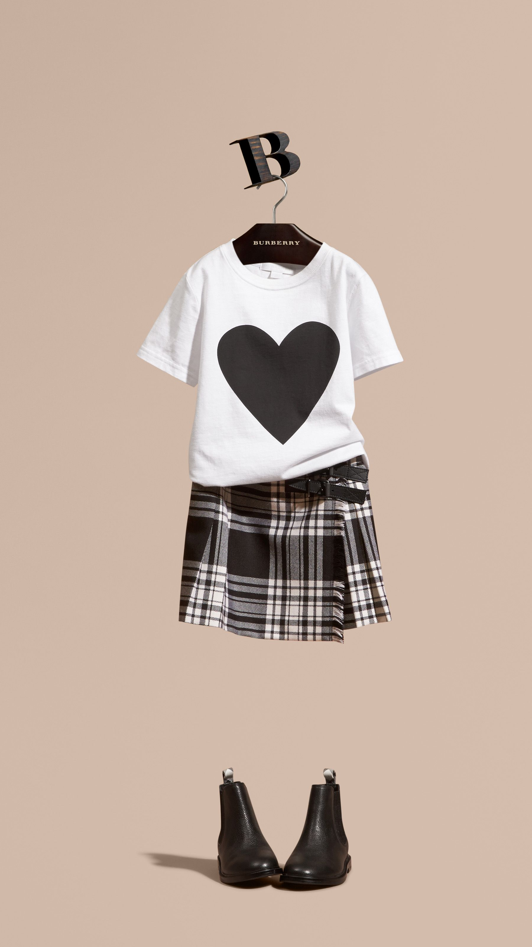 Burberry Kids Black and White outfit Детское