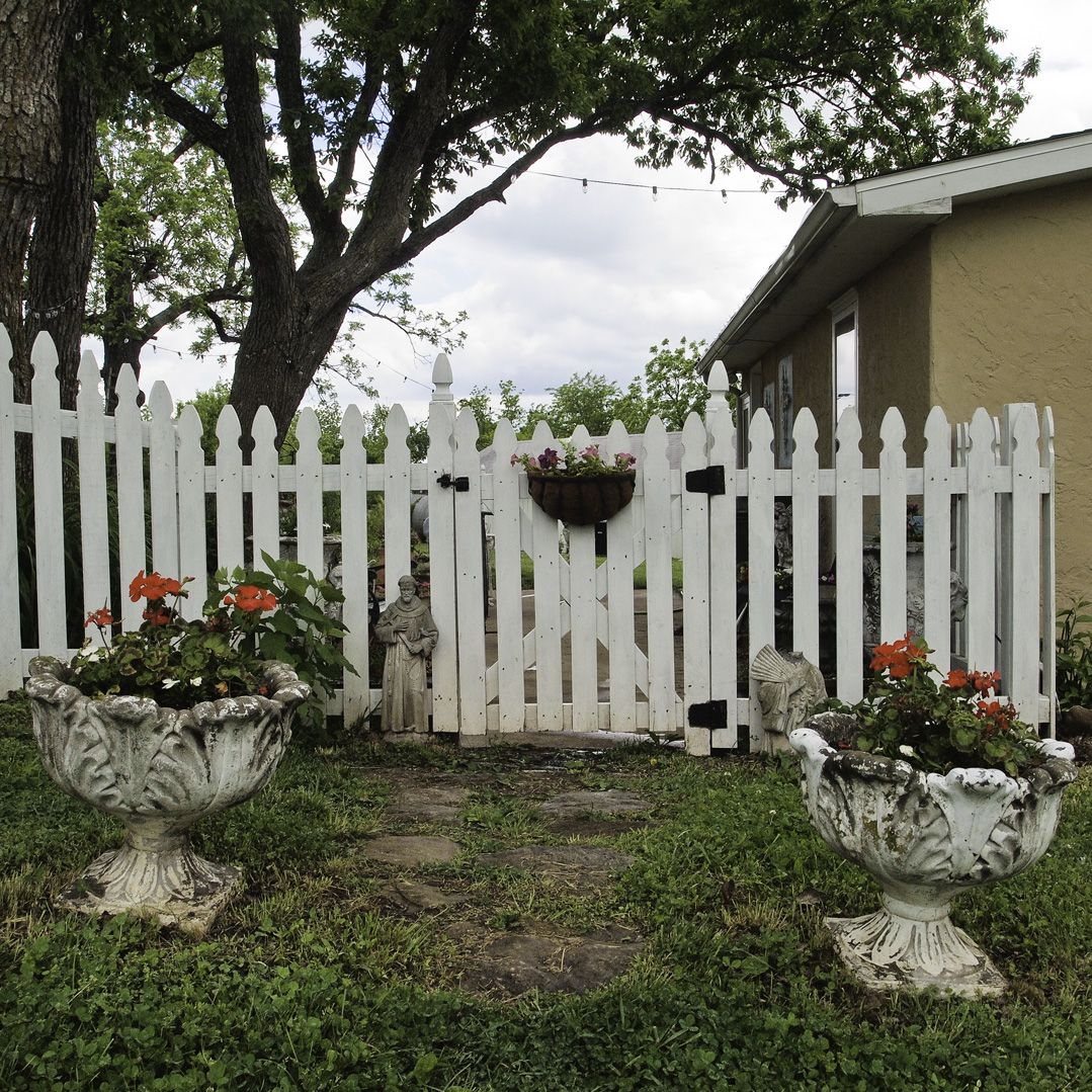 Flower Baskets On Fence : Picket fence gate the frame it s nice and i like