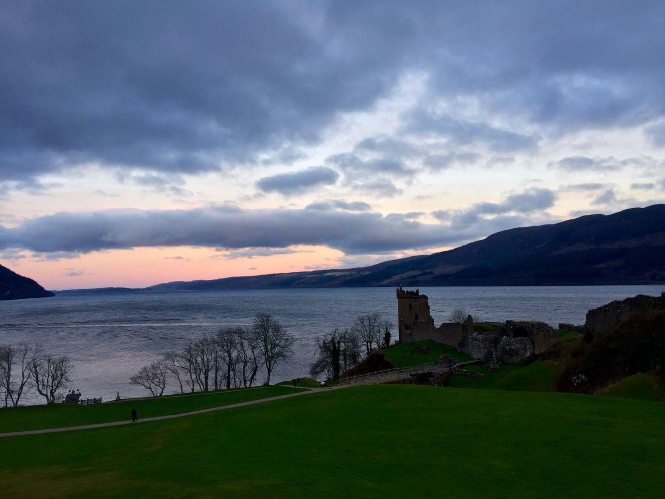 Puesta de sol en el Castillo de Urquhart