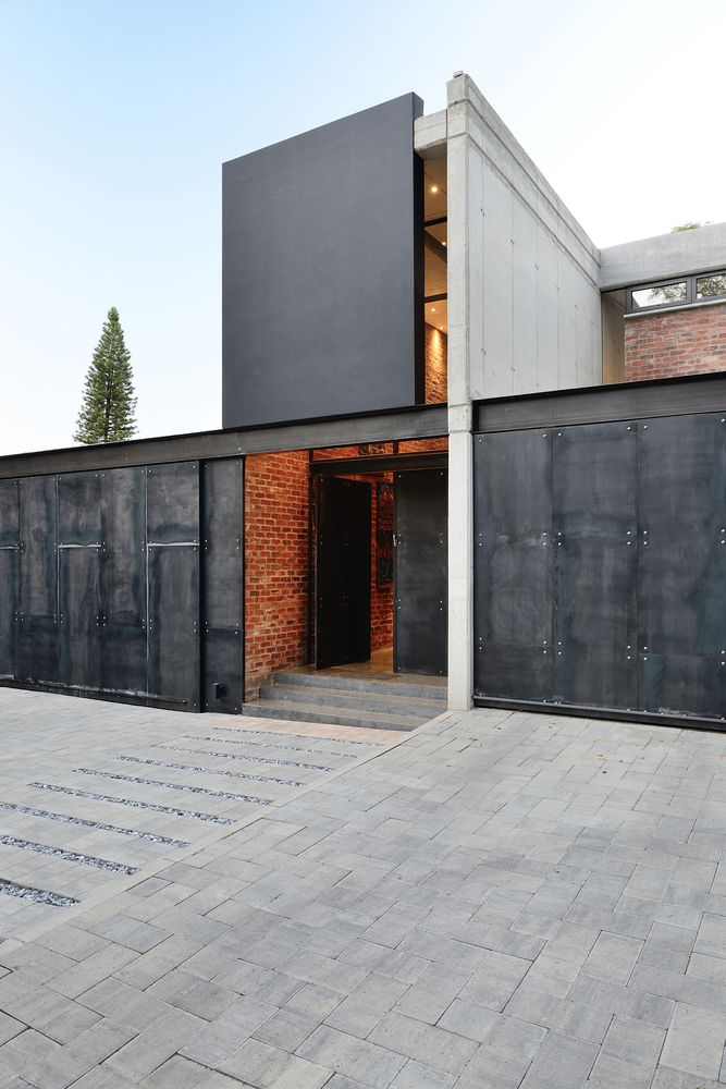 Gallery Of House Sher Eftychis Architects 21 Facade House Facade Architecture Architecture
