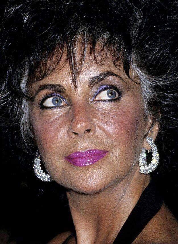 Pin By Dutch Inspiration On Amour Elizabeth Taylor Jewelry Elizabeth Taylor Violet Eyes