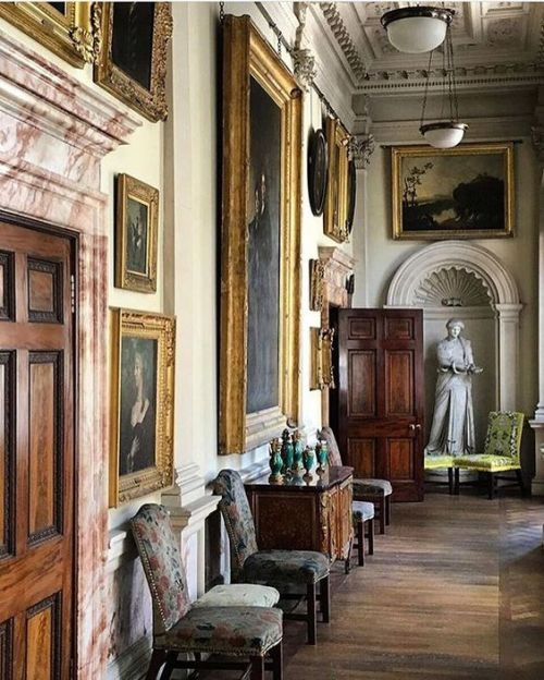 Hallway with neoclassic details. | England house | Pinterest ...