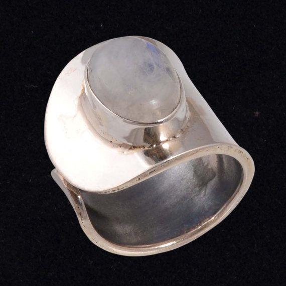 9bb11e447b5e Sólidos Sterling 925 plata esterlina por mayor joyería en Etsy ofrece  hermoso anillo con piedras preciosas de arco iris Tamaño -gratis Peso   -7.00 Gm ...