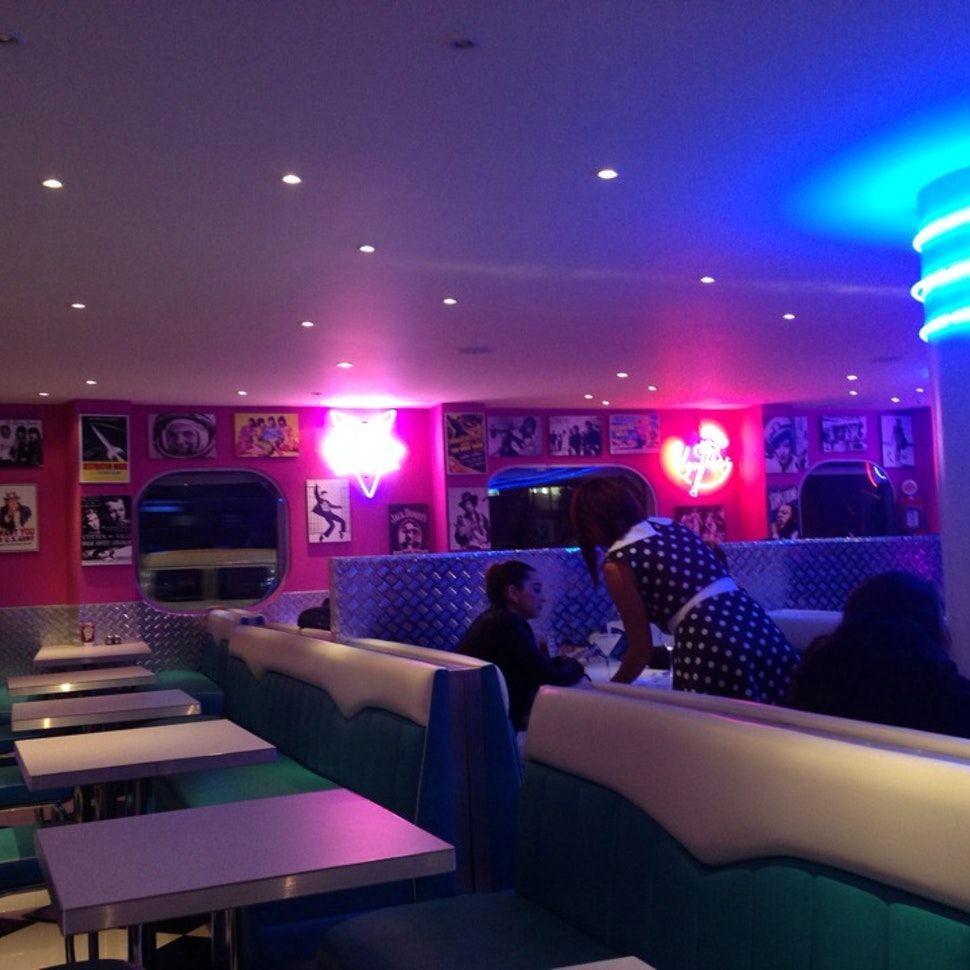 Cinema Em Casa 55 Dicas Para Caprichar No Ambiente: Pin De Alexandro Lemos Em Carros