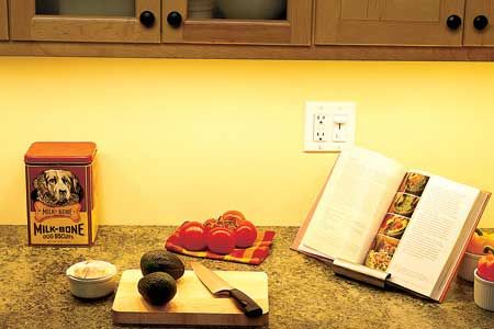 1000+ images about Under cabinet lighting on Pinterest | Puck ...