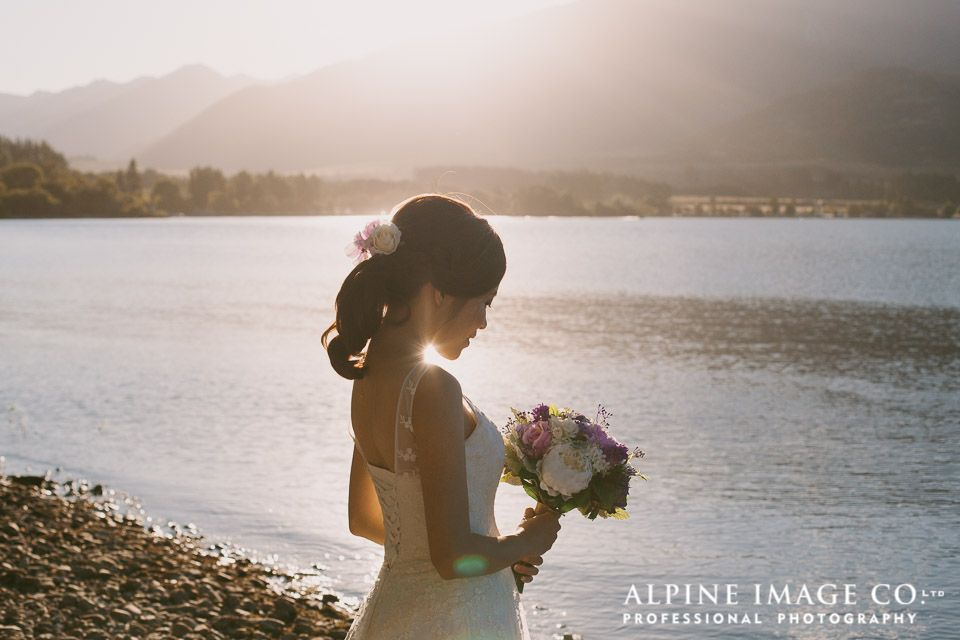 That incredible golden hour is perfect for wedding photography in the New Zealand Mountains. Photography by Alpine Image Company.