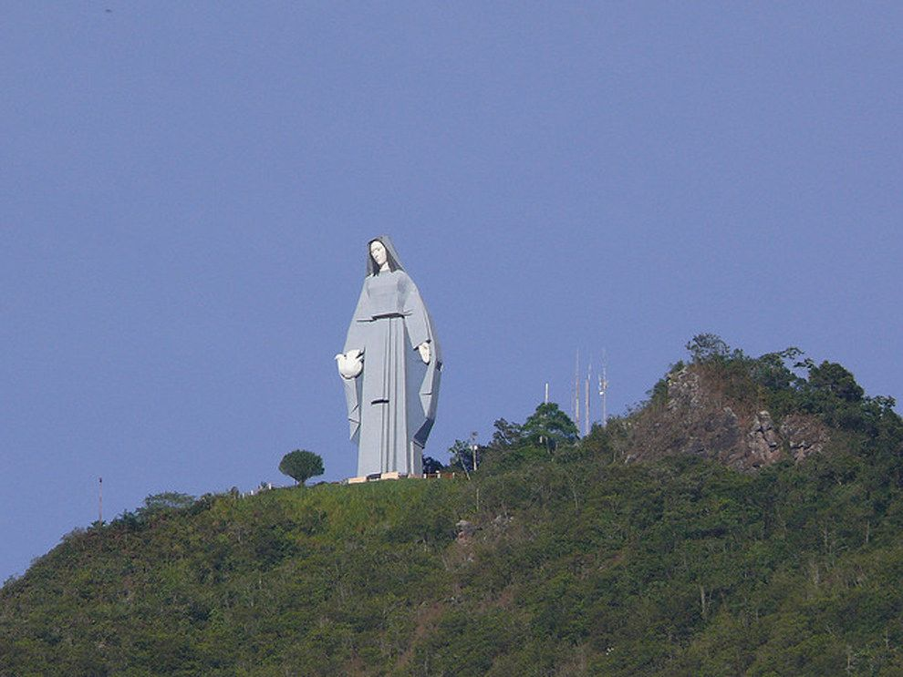 Virgen de la Paz | Christ the redeemer, Statue, Venezuela