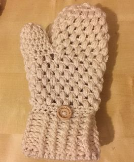 ef08b55053d Ravelry  Puff Stitch Mittens pattern by The Wee House Of Crochet ...