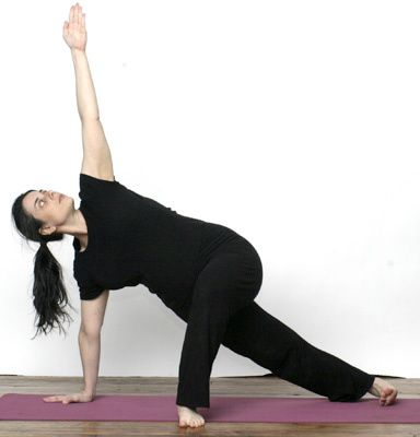 variations of vasisthasana side plank pose for more core