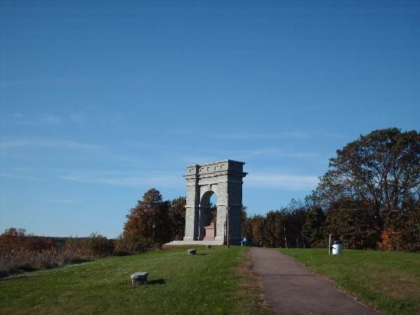 Memorial Arch Of Tilton Northfield Nh Freestanding Arches On Waymarking Com Northfield Arch New Hampshire