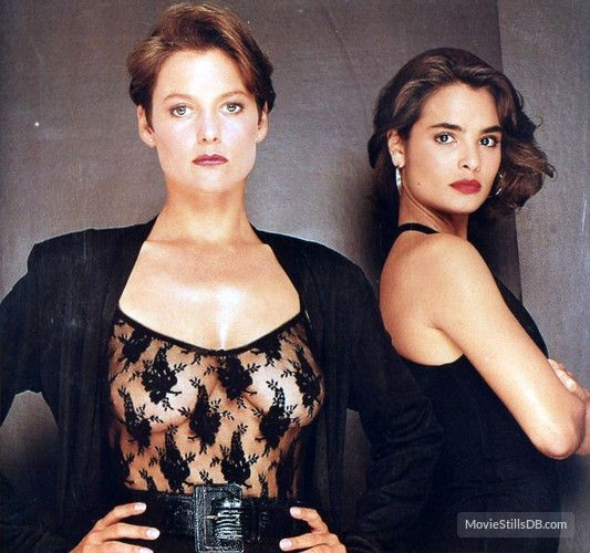 Licence to kill 1989 carey lowell and talisa soto movie licence to kill carey lowelllicence voltagebd Choice Image