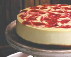 Cheesecake with strawberrys http://www.recetatartadequeso.com/TartaDeQueso/TartaDeQuesoYFresa/TartaDeQuesoYFresa.html