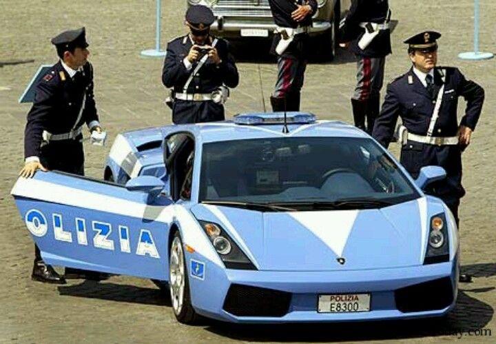 Pin By Gina Carluccio On Italian S In Uniform Police Cars Italian Police Police
