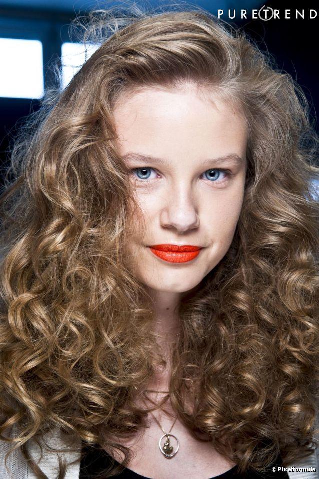 La Longueur De Mes Cheveux Boucles Un Jour