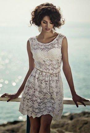 60d3deffc04e Το λευκό δαντελένιο φόρεμα και οι συνδυασμοί του
