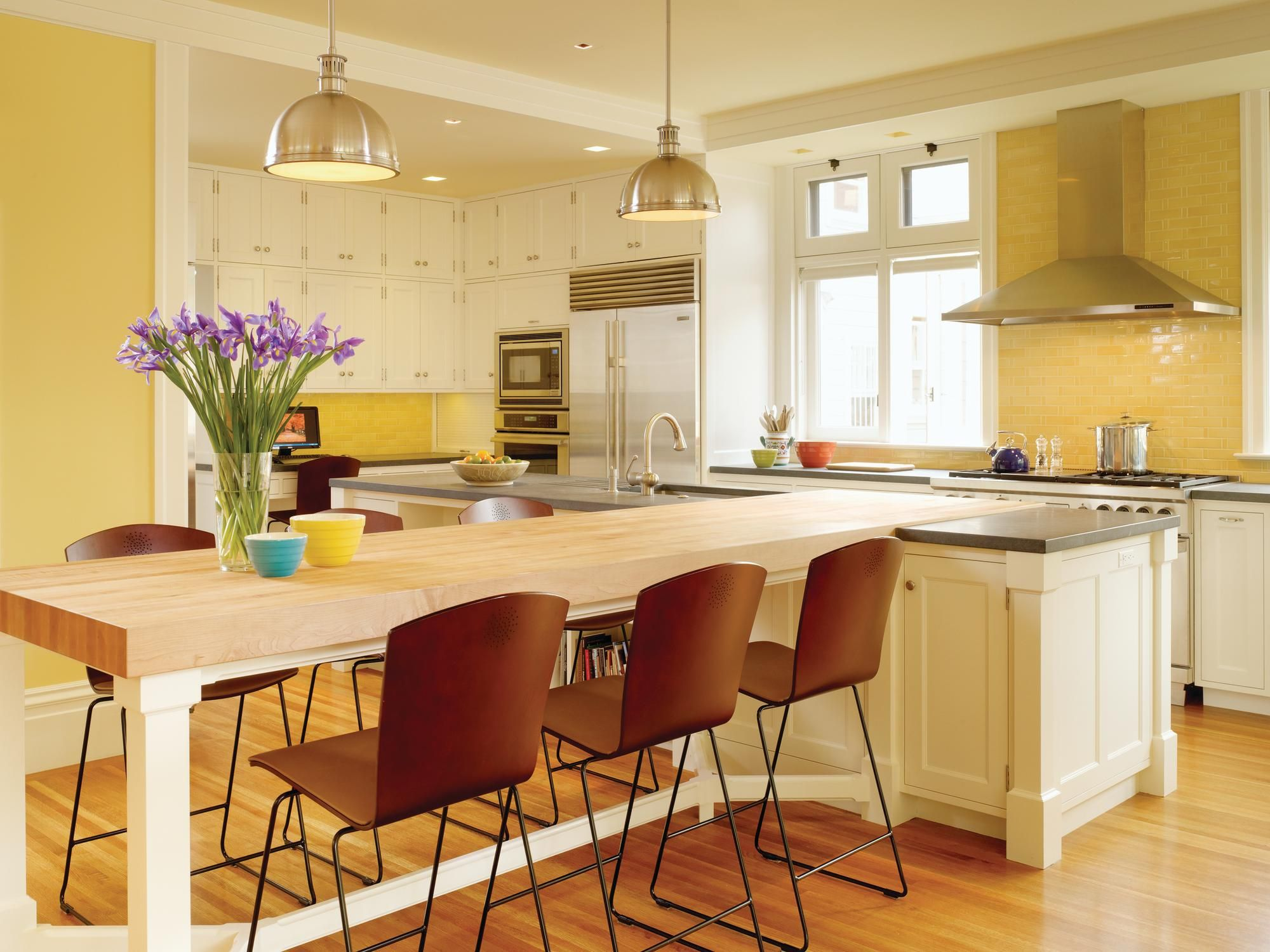To Save Room Combine The Kitchen Table And The Island Kitchen