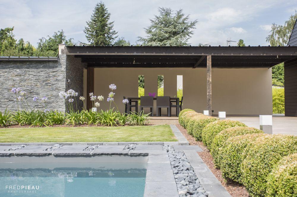 piscine #Caron #poolhouse #buis #pierresnaturelles #galets #design