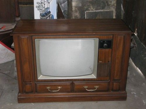 Old Rca Console Tv This Was Real Similar To Our Family S First Television We Got About 1956 And Yes It Was Black And Old Tv Vintage Television Tv Console What is a console tv