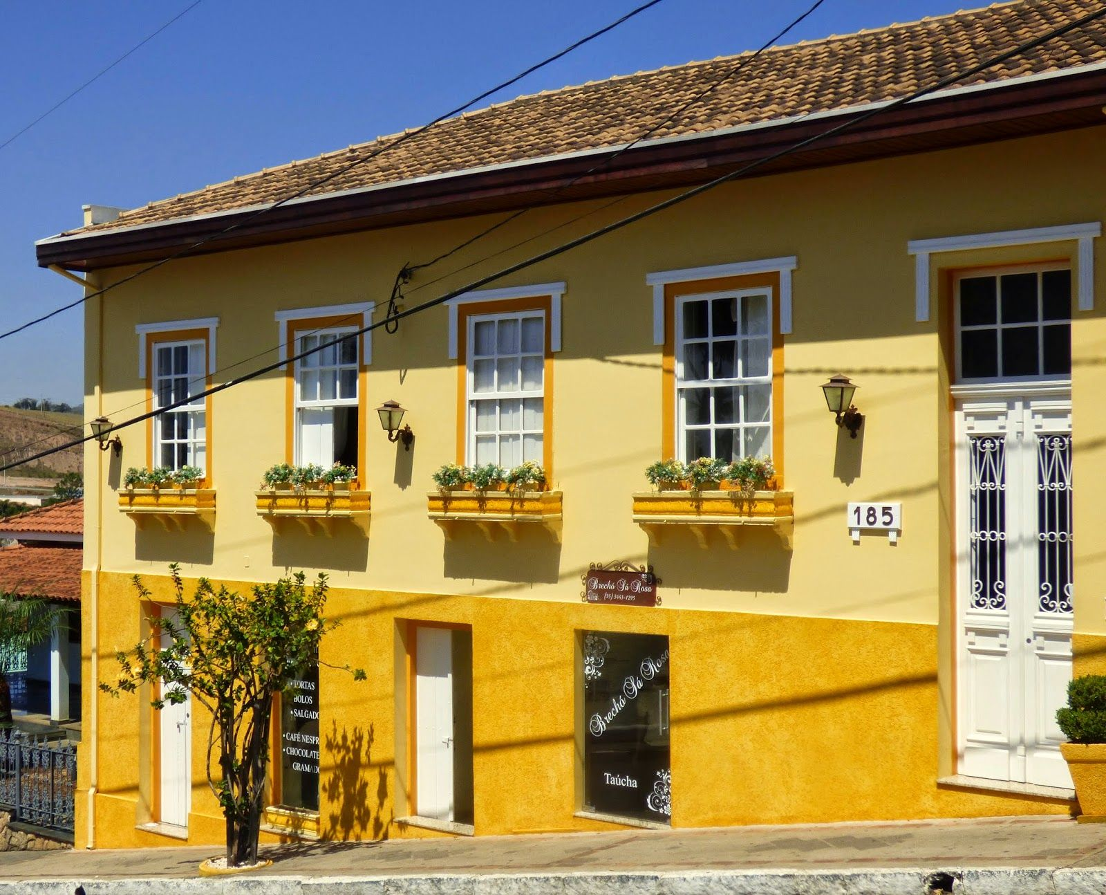 Fachadas casas pintadas de amarelo pesquisa google fachada pinterest - Fachadas de casas pintadas ...